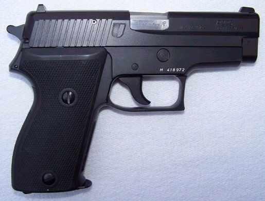L 39 armement mondial arme de poing for Temoin chambre vide sig sauer